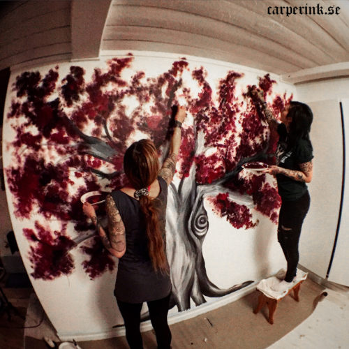 Carper Ink Yogastark Wallpainting Tree